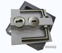 Dveřní klika s příslušenstvím SSA022