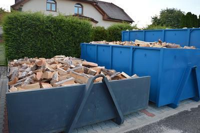 Tvrdé palivové dřevo štípané 0,5m/18prms velký kontejner - 2